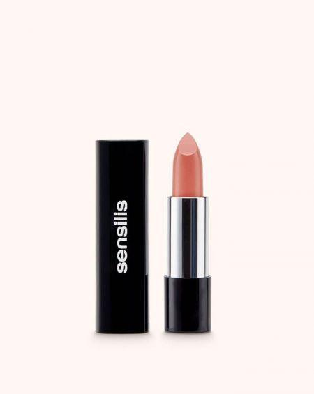 Sensilis Velvet barra de labios satinada confort 208 prune maquillaje labial purpura