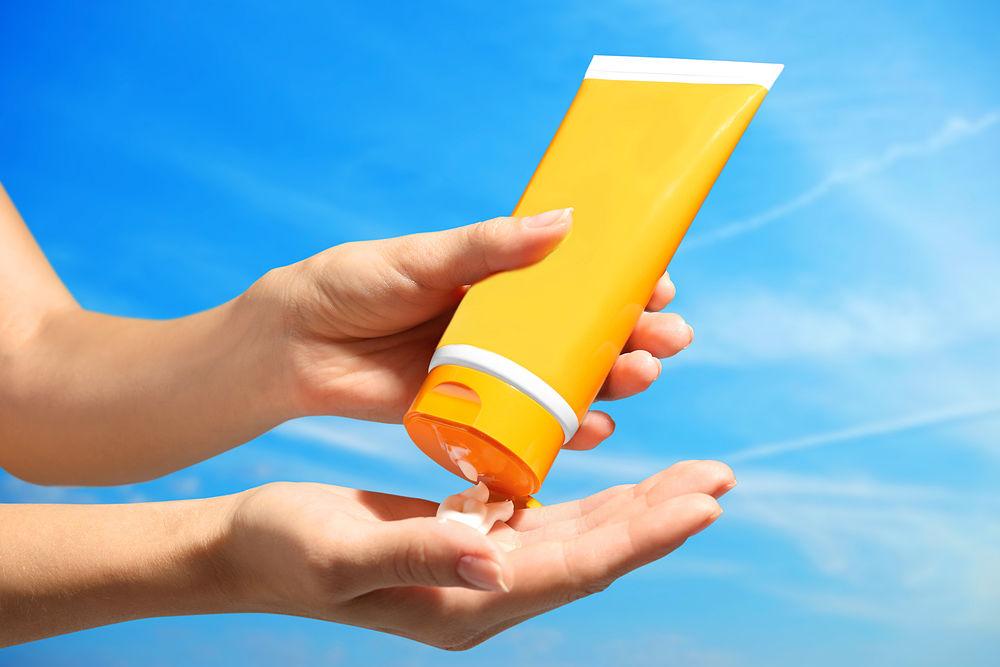 Protector y crema solar para personas con cáncer